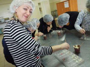 Приятно не только кушать шоколад, но и изготавливать его!